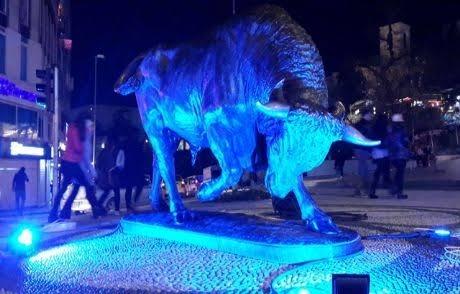 2 Nisan Günü Türkiye Otizme Mavi Işık Yaktı