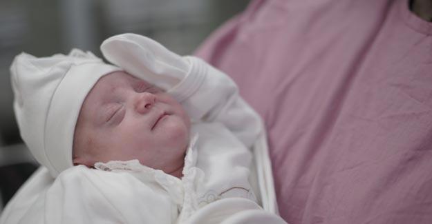 710 gramlık Hazal bebek yaşama tutundu