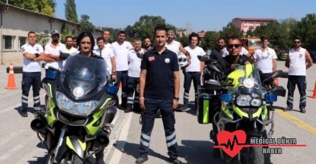 Ankara'da motosikletli ambulans ekipleri hayat kurtarıyor