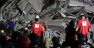 Ege depreminde can kaybı 64'e yaralı sayısı 940'a yükseldi