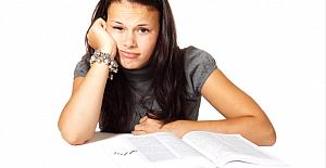 Genç kızların büyüme kitıbı: Peki ya okuldayken regl olursam?