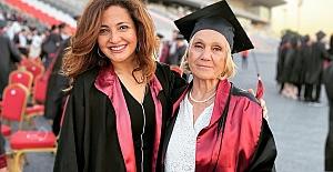 Azmin zaferi; 74 yaşında Cerrahpaşa Tıp Fakültesini bitirdi